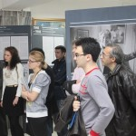 """Participanți la vernisajul expoziției """"Hannah Arendt - Încrederea în om"""""""