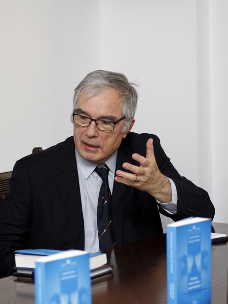 Prof.univ.dr. Zoltan Rostas, autor