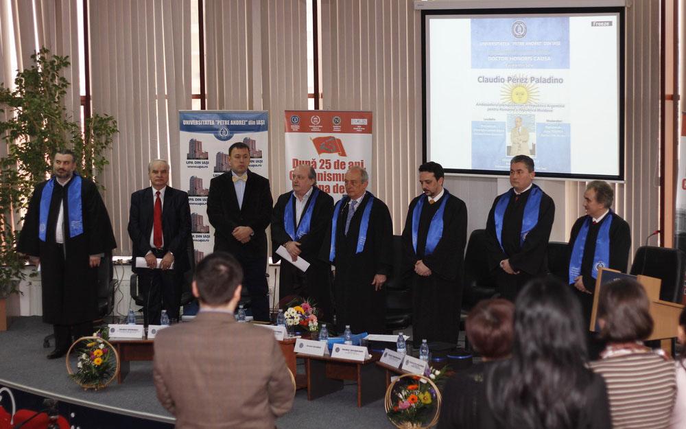 Conf.univ.dr. S. Bocancea, Prof.univ.dr. Lencan-Stoica, Conf.univ.dr. Drăgulin, Prof.univ.dr. Tompea, Excelența Sa, Claudio Perez Paladino, Conf.univ.dr. Șandru, Conf.univ.dr. Pitulac, Prof.univ.dr. C. Bocancea