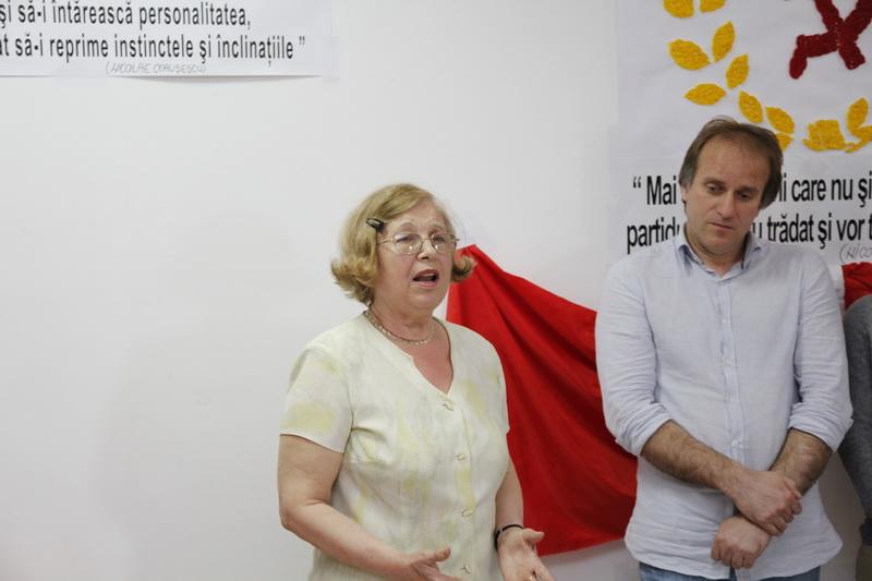 Prof. Lăcrămioara Stoenescu, Prof. Tiberiu Părpăuță