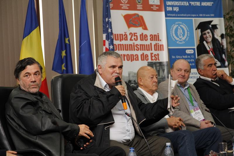 Prof.univ.dr. Liviu Antonesei, Ștefan Mitroi, Mihai Tatulici, Prof.univ.dr. Doru Tompea, Lorin Vasilovici